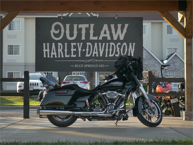 2017 Harley-Davidson Street Glide Base at Outlaw Harley-Davidson
