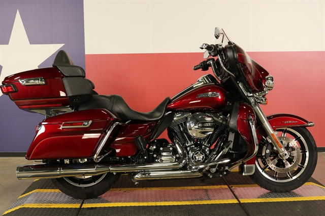 2016 Harley-Davidson Electra Glide Ultra Classic Low at Texas Harley