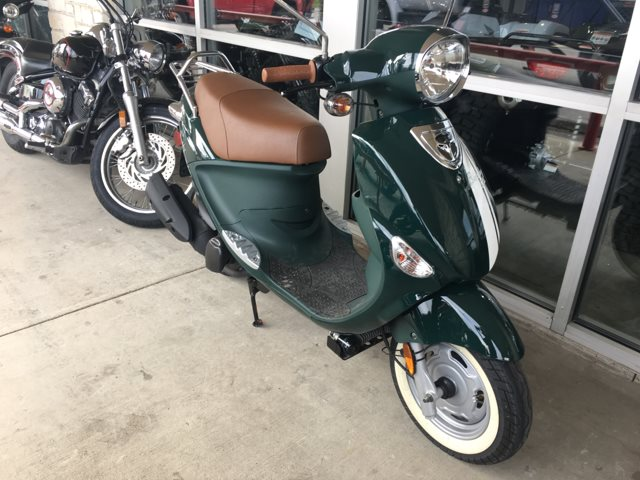 2014 Genuine Scooter Co Buddy 170i at Kent Motorsports, New Braunfels, TX 78130