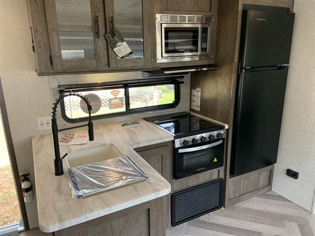 2021 Forest River Wildwood 33TS at Campers RV Center, Shreveport, LA 71129