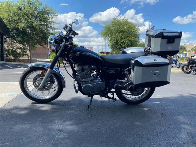 2017 Yamaha SR400 Base at Tampa Triumph, Tampa, FL 33614