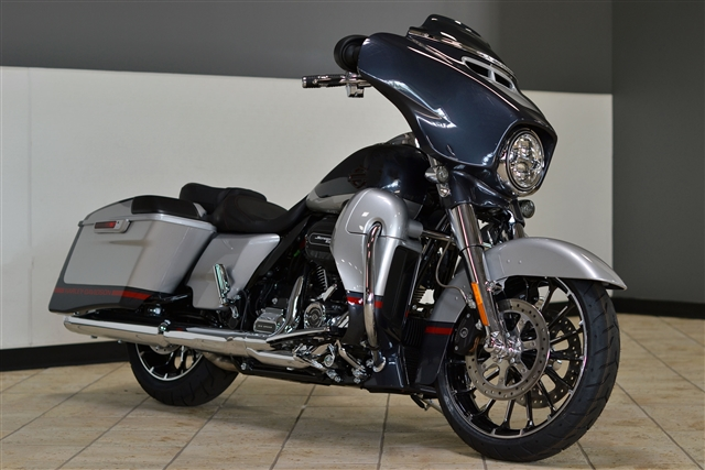 2019 Harley-Davidson Street Glide CVO Street Glide