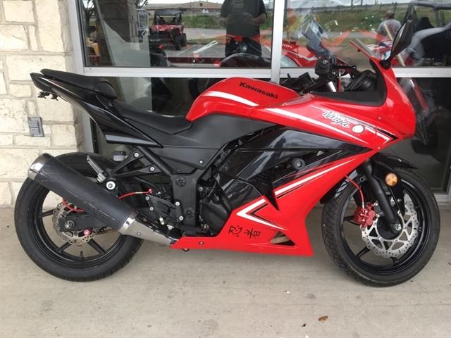 2012 Kawasaki Ninja 250R SE at Kent Motorsports, New Braunfels, TX 78130