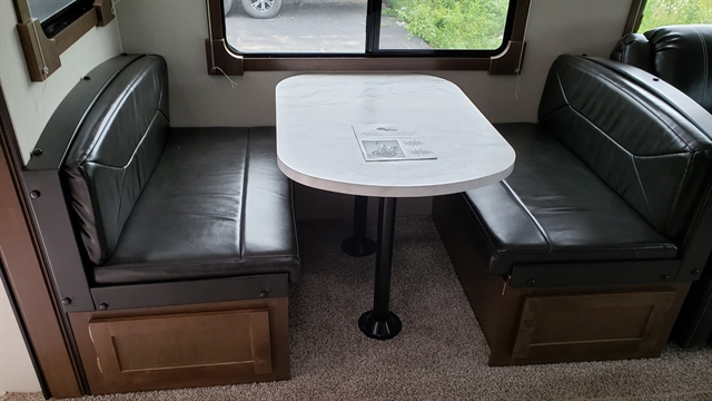 2018 Prime Time Manufacturing Crusader Lite 34MB at Youngblood RV & Powersports Springfield Missouri - Ozark MO