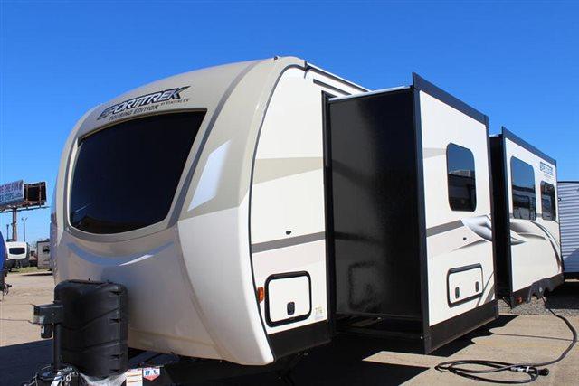 2019 Venture RV SportTrek 302VRB Rear Bath at Campers RV Center, Shreveport, LA 71129