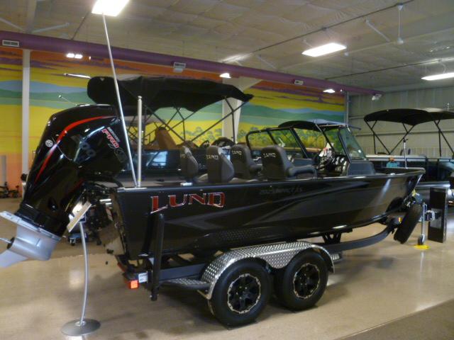2020 LUND 2025 IMPACT XS at Pharo Marine, Waunakee, WI 53597