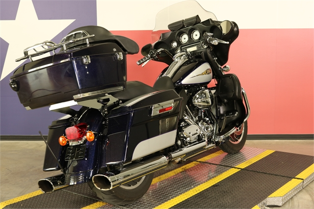2009 Harley-Davidson Street Glide Base at Texas Harley