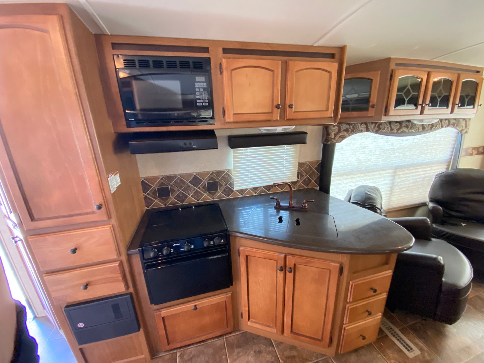 2012 CrossRoads Sunset Trail ST30RE at Lee's Country RV