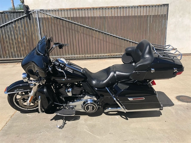 2017 Harley-Davidson Ultra Limited Low Ultra Limited Low at Quaid Harley-Davidson, Loma Linda, CA 92354
