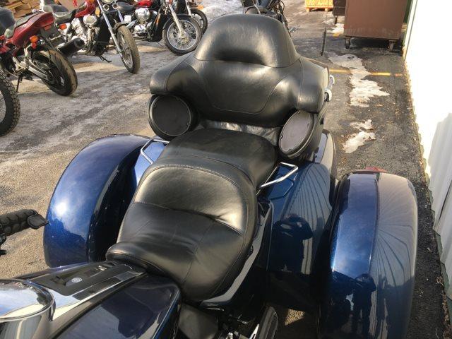 2014 Harley-Davidson Trike Tri Glide Ultra at Randy's Cycle, Marengo, IL 60152