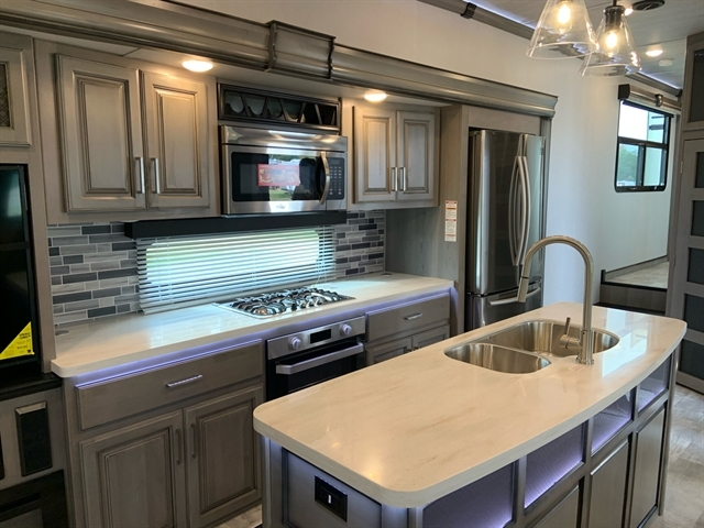 2020 Keystone RV Montana at Campers RV Center, Shreveport, LA 71129