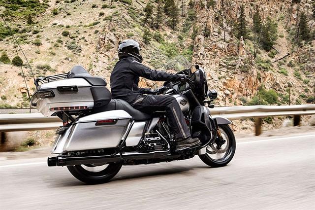 2019 Harley-Davidson Electra Glide CVO Limited at Zips 45th Parallel Harley-Davidson