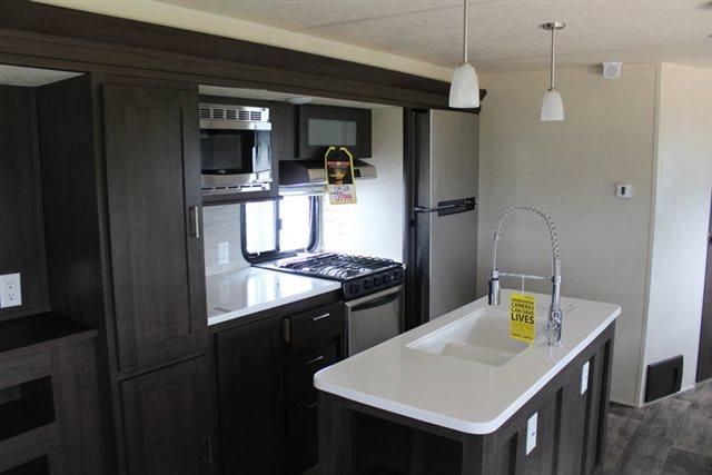2019 Forest River Wildwood 27REI Rear Living at Campers RV Center, Shreveport, LA 71129