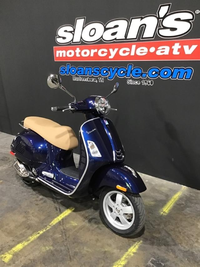 2020 Vespa GTS 300 HPE at Sloans Motorcycle ATV, Murfreesboro, TN, 37129