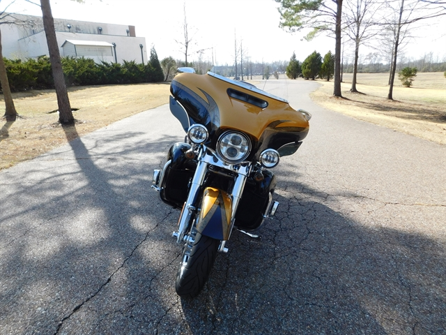 2015 Harley-Davidson Electra Glide CVO Limited at Bumpus H-D of Collierville