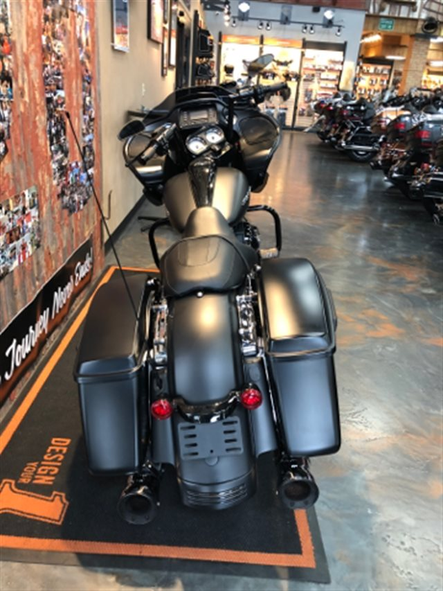 2015 Harley-Davidson Road Glide Base at Vandervest Harley-Davidson, Green Bay, WI 54303