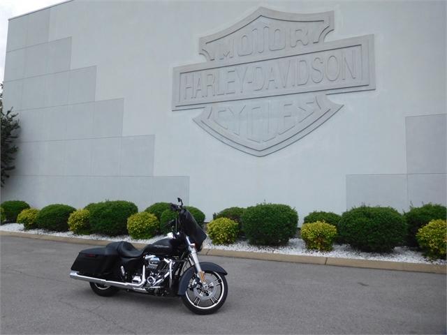 2017 Harley-Davidson Street Glide Base at Bumpus H-D of Murfreesboro