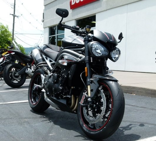 2019 Triumph Speed Triple RS at Frontline Eurosports