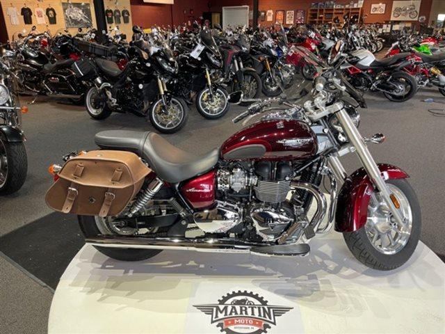 2014 Triumph America Two-tone Base at Martin Moto