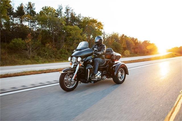 2021 Harley-Davidson Trike FLHTCUTG Tri Glide Ultra at Zips 45th Parallel Harley-Davidson