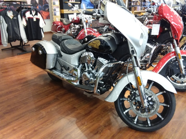 2017 Indian Motorcycle Chieftain Limited Star Silver over Thunder Black at Brenny's Motorcycle Clinic, Bettendorf, IA 52722
