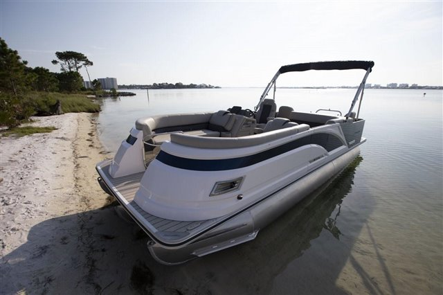 2021 Silver Wave SW5 RLP 2410 at Jerry Whittle Boats