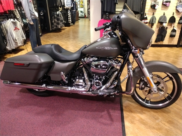 2018 HD FLHX at #1 Cycle Center Harley-Davidson