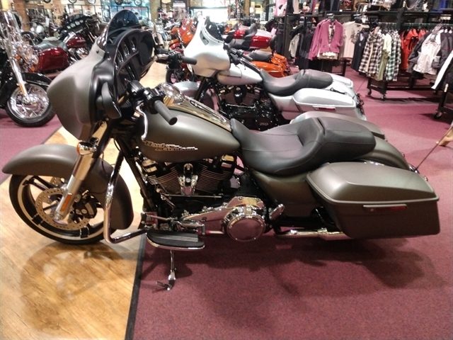 2018 HD FLHX at #1 Cycle Center Harley-Davidson