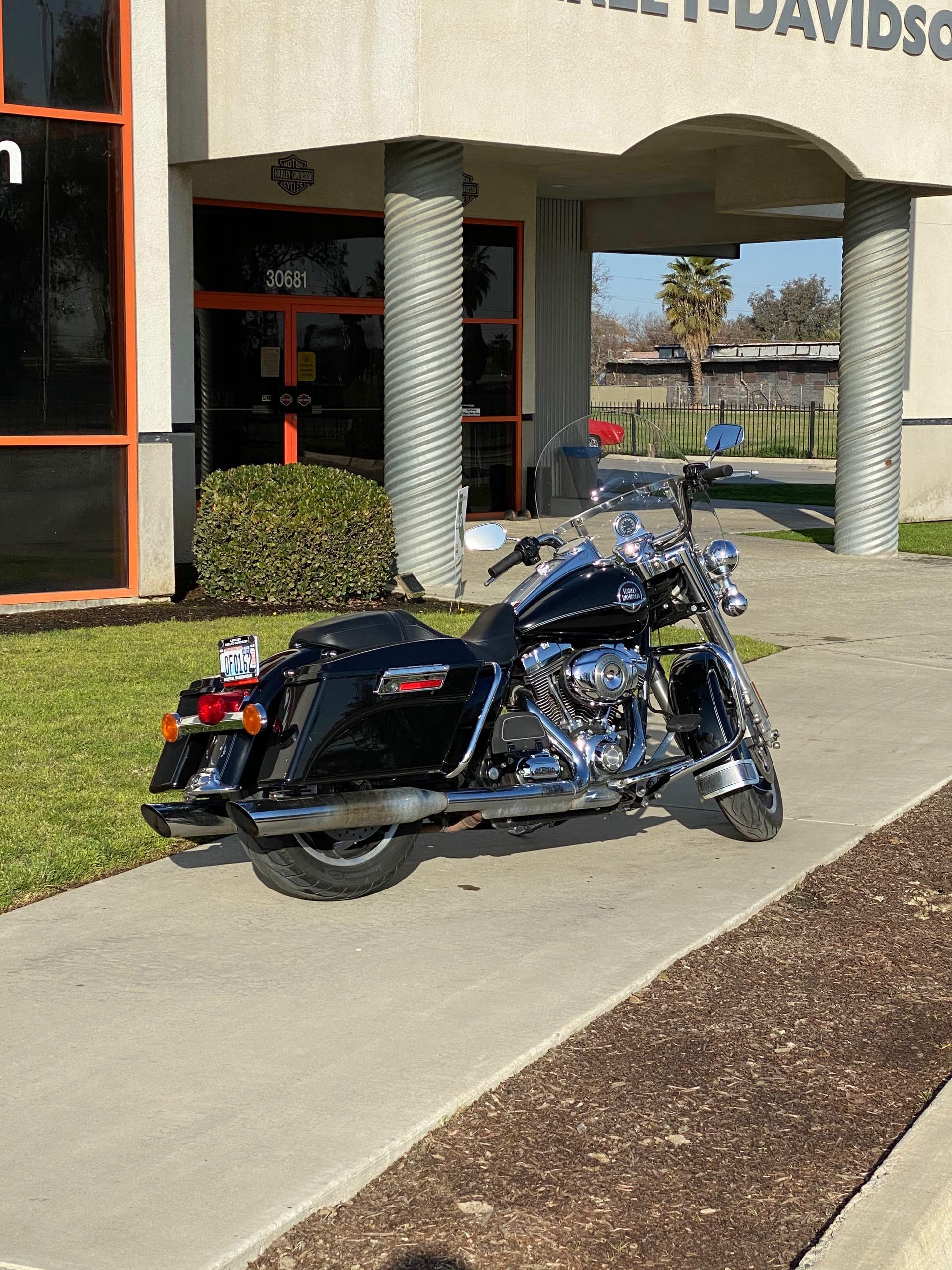 2010 Harley-Davidson Road King Classic at Visalia Harley-Davidson