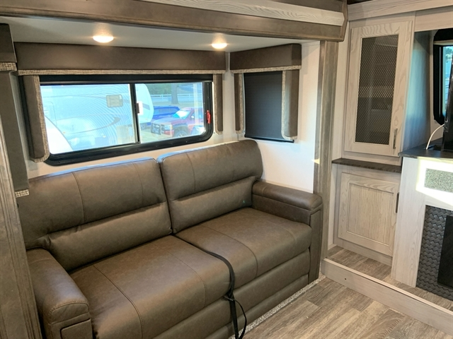 2020 Keystone Montana High Country 377FL at Campers RV Center, Shreveport, LA 71129