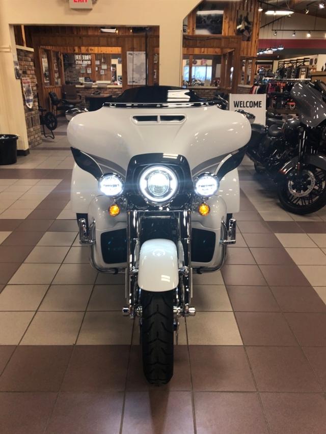 2020 Harley-Davidson CVO CVO Tri Glide at High Plains Harley-Davidson, Clovis, NM 88101
