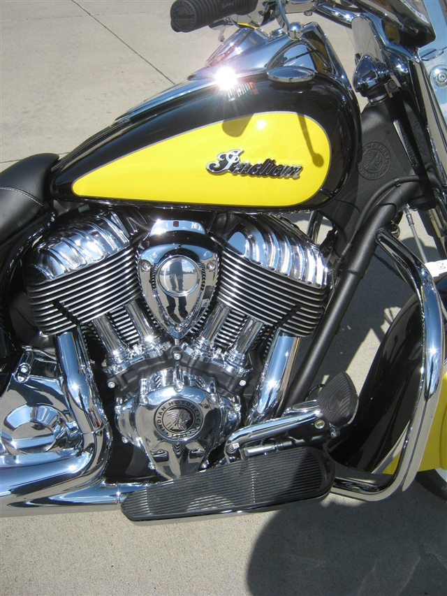 2019 Indian Motorcycle Chief Vintage ICON - Thunder Black Over Indian Motorcycle Yellow at Brenny's Motorcycle Clinic, Bettendorf, IA 52722