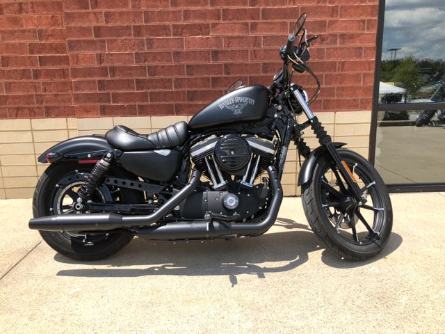 2017 Harley-Davidson Sportster Iron 883™ at Harley-Davidson of Fort Wayne, Fort Wayne, IN 46804