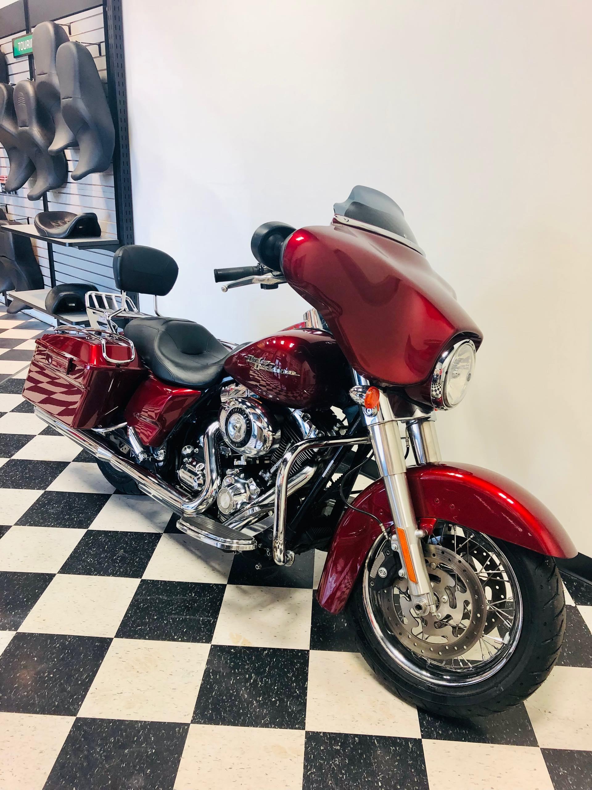 2009 Harley-Davidson Street Glide Base at Deluxe Harley Davidson