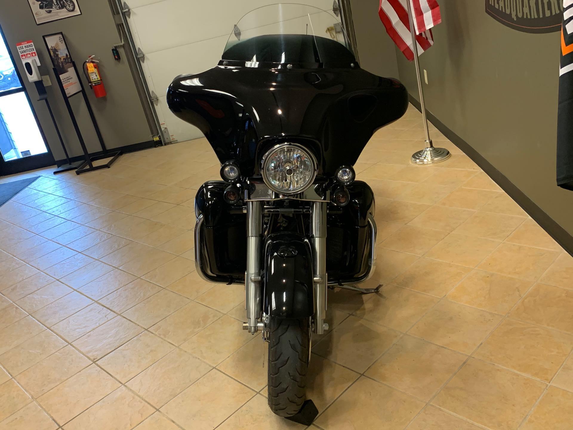 2012 Harley-Davidson Street Glide Base at Loess Hills Harley-Davidson