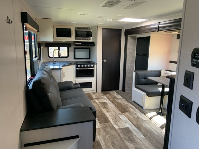 2019 Venture RV Stratus 261VRK Rear Kitchen at Campers RV Center, Shreveport, LA 71129