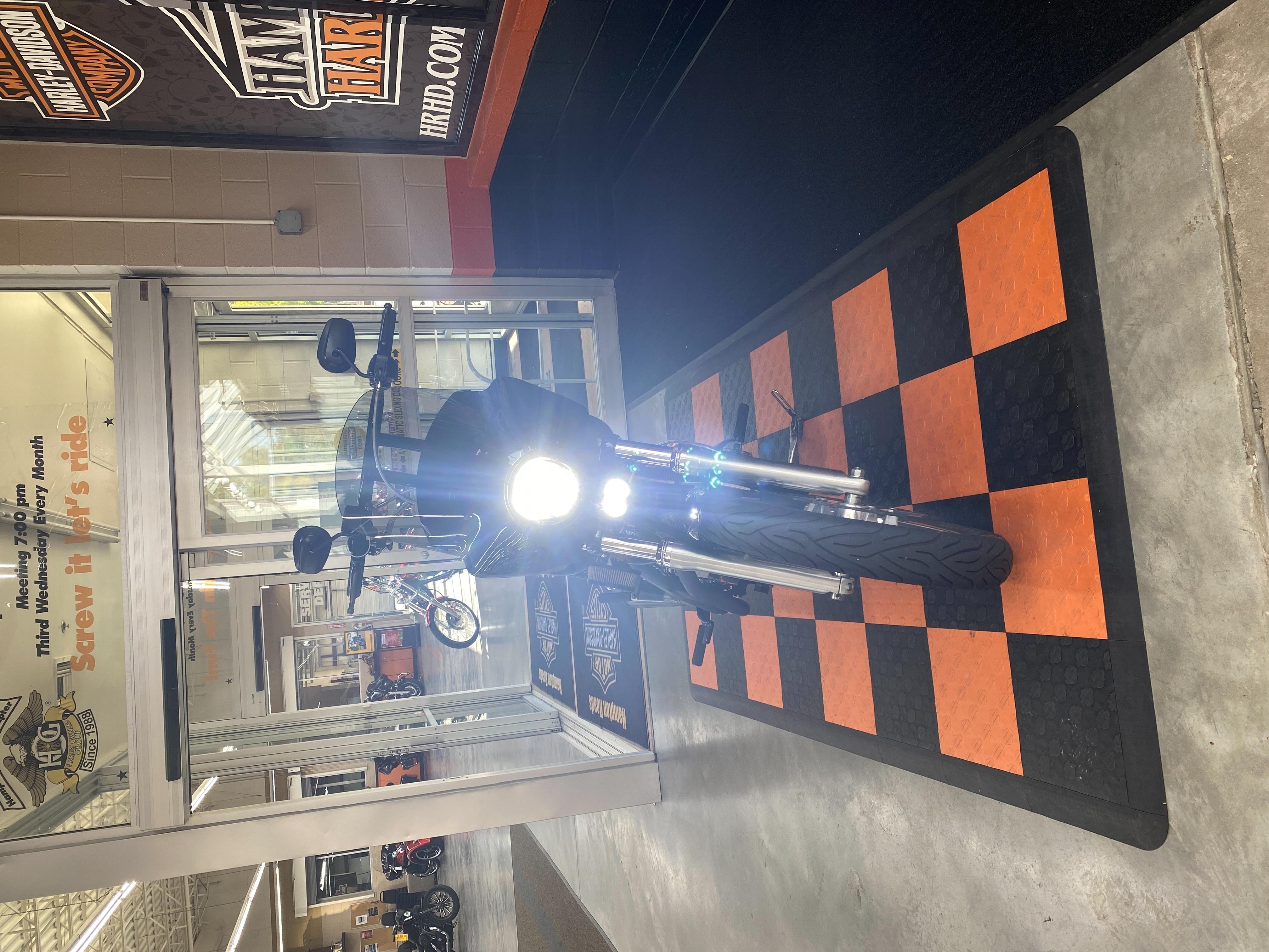 2013 Harley-Davidson Dyna Super Glide Custom at Hampton Roads Harley-Davidson