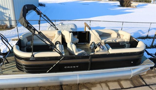 2020 Crest Classic DLX 220 SLC - triple toon at Fort Fremont Marine