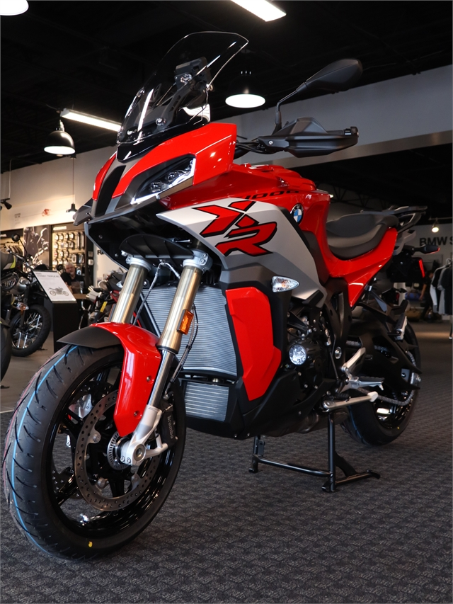 2021 BMW S 1000 XR at Frontline Eurosports
