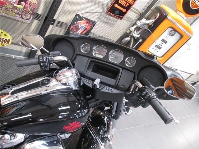 2019 harley-davdison FLHT Electra Glide Standard at Hunter's Moon Harley-Davidson®, Lafayette, IN 47905