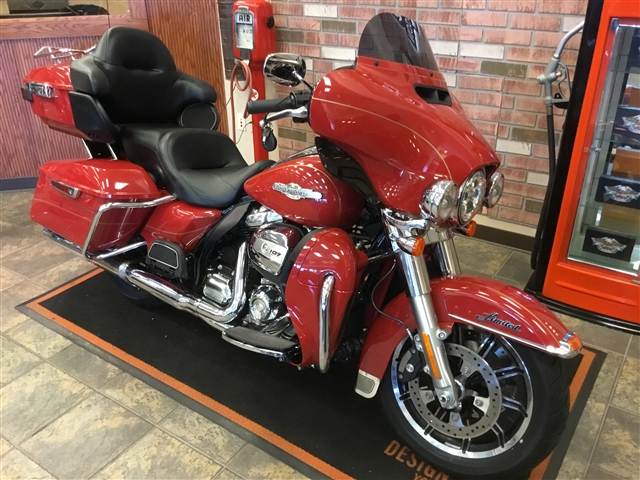 2017 Harley-Davidson FLHTK-SHRINE at Bud's Harley-Davidson, Evansville, IN 47715