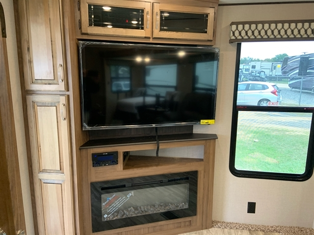 2020 Coachmen RV Chaparral Lite at Campers RV Center, Shreveport, LA 71129