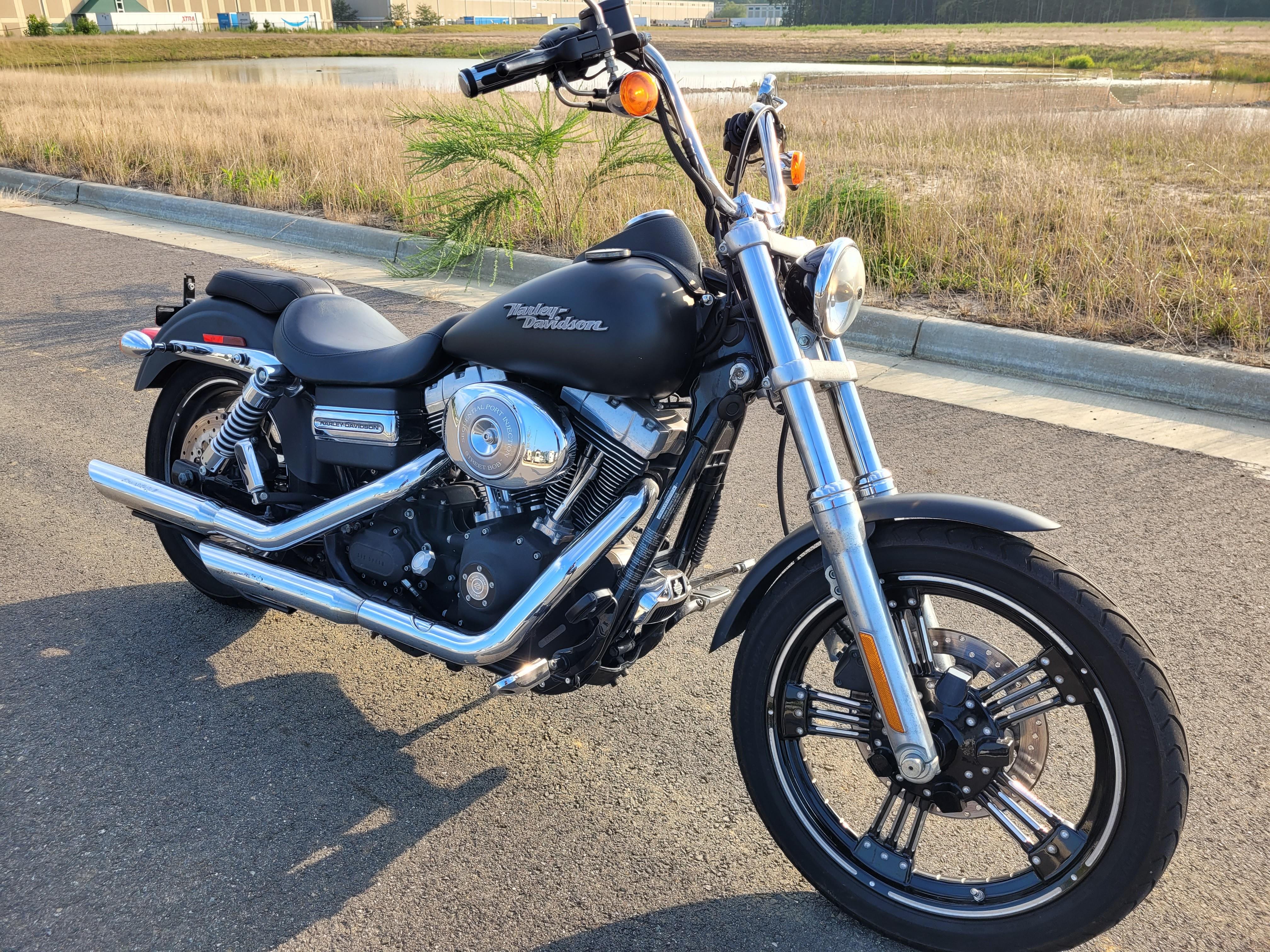 2006 Harley-Davidson Dyna Glide Street Bob at Richmond Harley-Davidson
