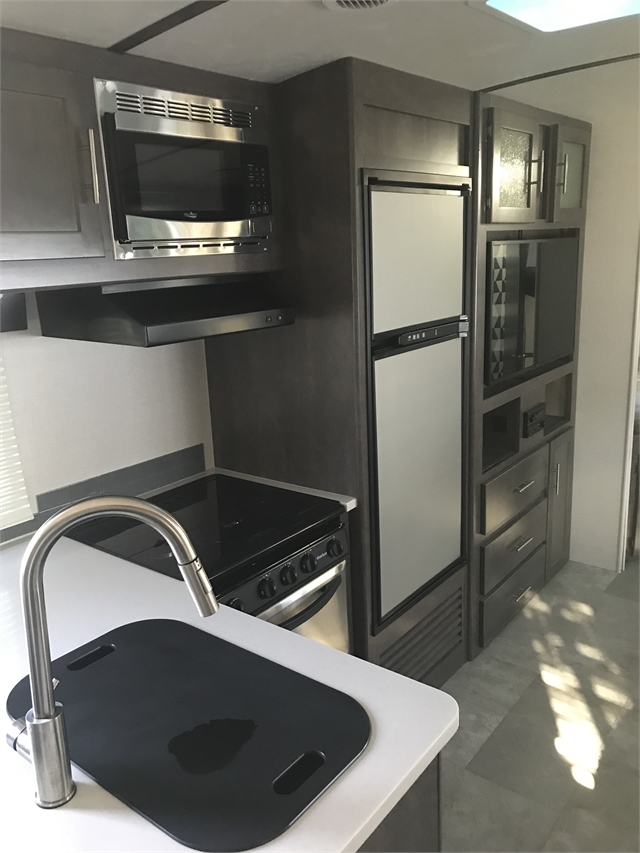 2018 CrossRoads Sunset Trail Super Lite SS262BH at Lee's Country RV