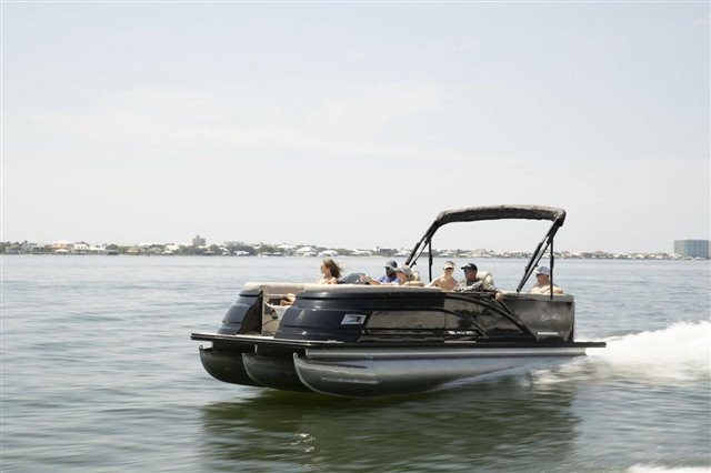 2022 Silver Wave SW5 CLS 2210 at Jerry Whittle Boats