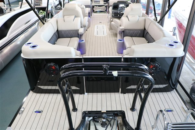 2021 Silver Wave SW5 CLS 2210 at Jerry Whittle Boats