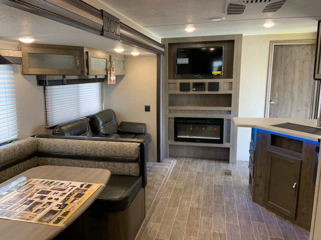 2020 Palomino Puma 32RBFQ Bunk Beds at Campers RV Center, Shreveport, LA 71129