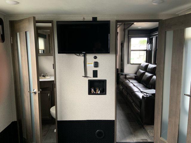 2019 Dutchmen Voltage 3615 Toy Hauler at Campers RV Center, Shreveport, LA 71129