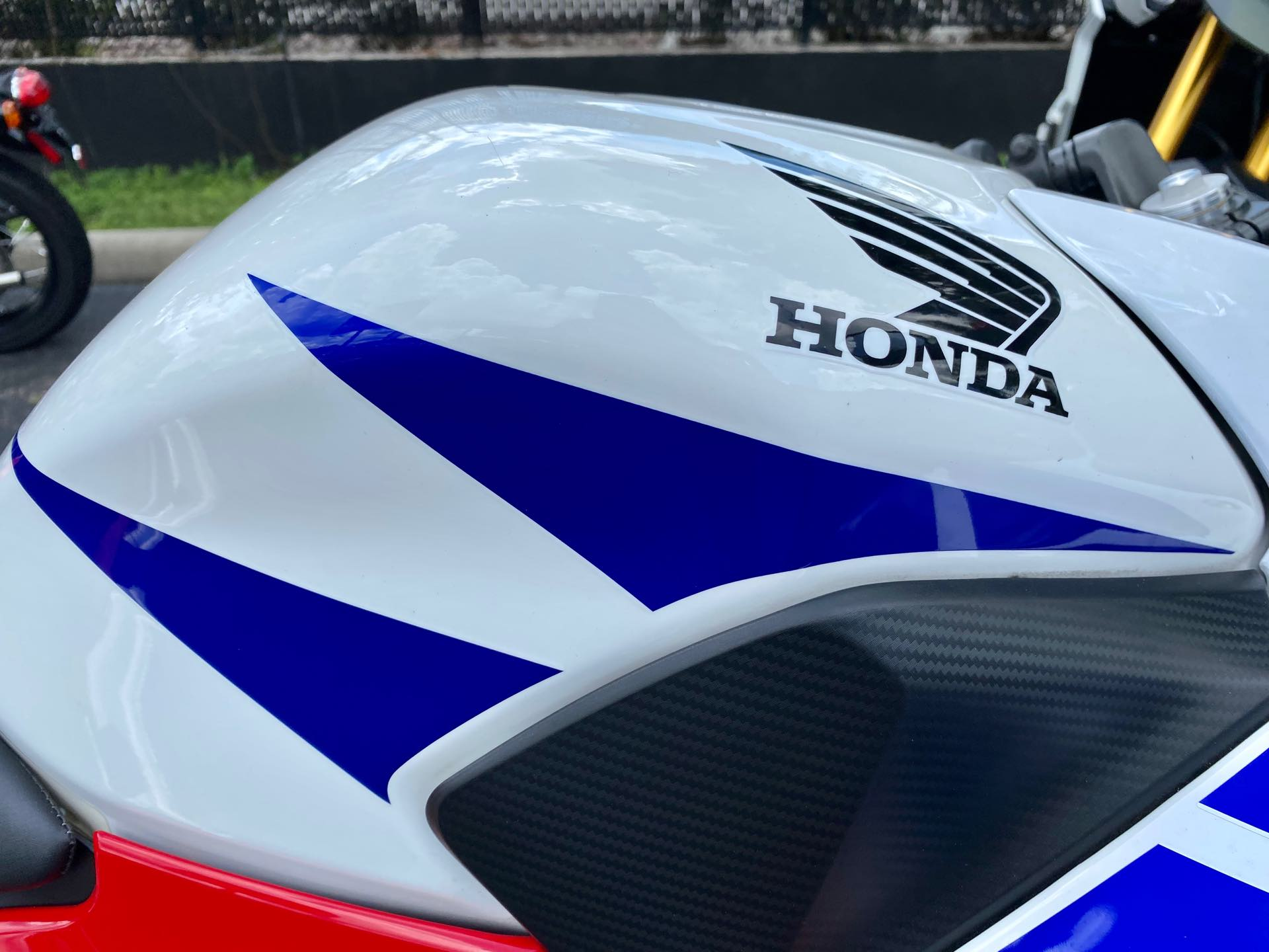 2015 Honda CBR 300R at Tampa Triumph, Tampa, FL 33614