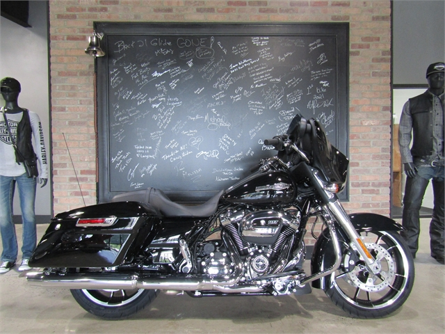 2021 Harley-Davidson Grand American Touring Street Glide at Cox's Double Eagle Harley-Davidson